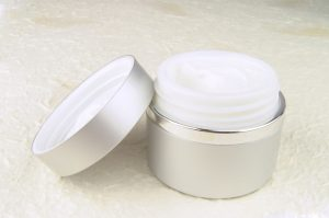 cream-1192757-639x422